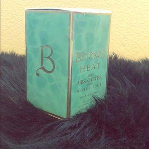 BEYONCÉ ~ HEAT MRS CARTER WORLD TOUR (limited) ✨🌸